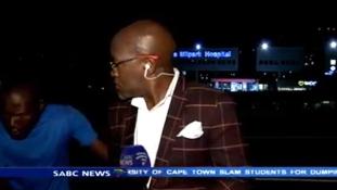 Durva – élő adásban rabolták ki a riportert (videó)