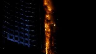 Pokoli torony – Lángokban áll egy felhőkarcoló Dubajban