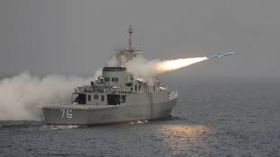 Éles iráni lőgyakorlat, amerikai hadihajók közelében