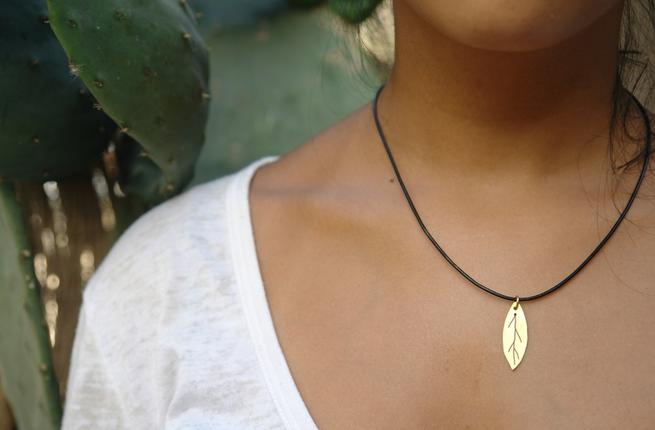 olive_leaf_pendant