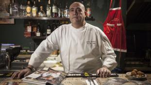 Héberül írt szakácskönyvet a palesztin séf, aki főzött Obamára is