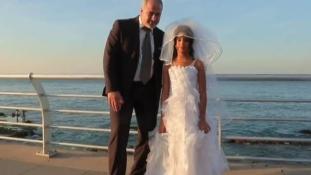 Amikor a menyasszony 12 éves, a vőlegény meg sokszor annyi