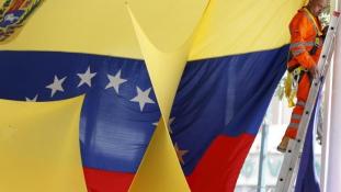 Fordult a kocka Venezuelában: kétharmada van az eddigi ellenzéknek