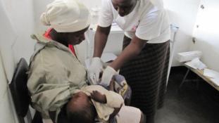 Sztrájkolnak az orvosok, hullanak a csecsemők Zimbabwéban