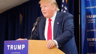 Donald Trump ellen kampányol több híresség