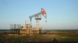 Nagy kárt okozhat az alacsony olajár az oroszoknak