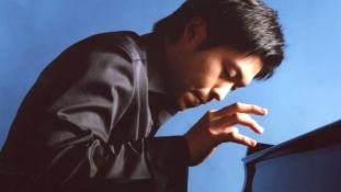 Világhírű koreai zongorista ad koncertet Budapesten