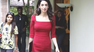 Azeri újságírónőn segít Amal Clooney