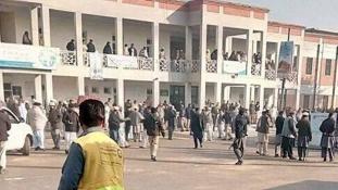 Több mint 20 halott – vége a terrortámadásnak a pakisztáni egyetemen