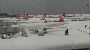 Havazás – járattörlések Isztambulban
