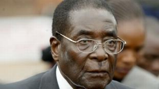 Lehet, hogy már csak órái maradtak hátra Robert Mugabénak