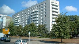 Kommunista szellemvárosokba költöztetik a menekülteket a németek