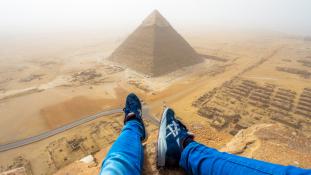 Akkor most nézzük a piramisokat úgy, ahogy még nem láttuk!