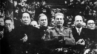 Szó szerint majdnem elsz..ta a dolgot Sztálinnal Mao?
