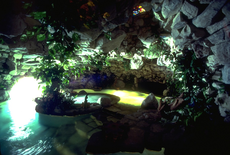 10236_GROTTO-Spa_w-FGW_-_Playboy_Mansion_-_Finished_Grotto_Environment_as_built