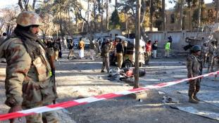 Több mint tíz kiló robbanóanyag volt a testén – így száguldott a tömegbe az öngyilkos motoros