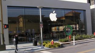 Apple vs. FBI: Ki bírja tovább?