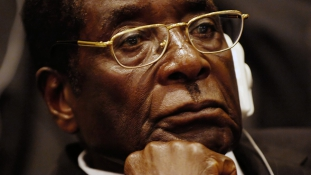 A lakosság éhezik, de a 92 éves diktátor bulizik