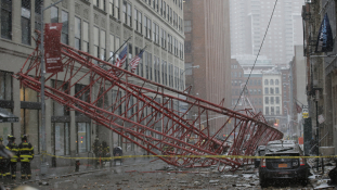 Gyilkolt egy óriásdaru Manhattanben