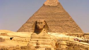 Majdnem lebontották a Kheopsz piramist