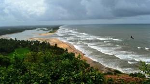 14 diák fulladt a tengerbe Indiában