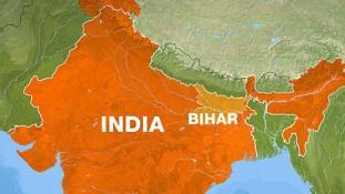 Tömeges halál: folyóba zuhant egy busz Indiában