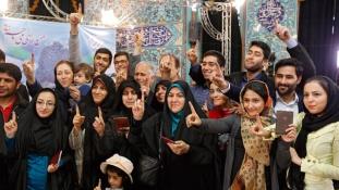 Többséget szereztek Róhániék az iráni parlamentben