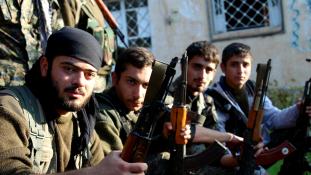 Török bombázás a szíriai kurdok ellen