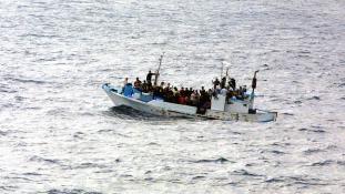 AI: Ne akadályozzák a menekültek átkelését az Égei-tengeren