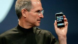 Mit jelent az i-betű az iPhone-ban?