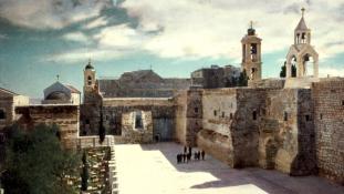 Együtt mentik meg keresztények és muszlimok a betlehemi templomot