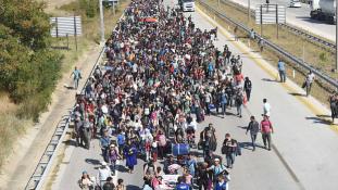 Irdatlan sok pénzt kap Törökország, hogy megfogja végre a menekültáradatot