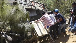 Sok halottja van egy guatemalai buszbalesetnek