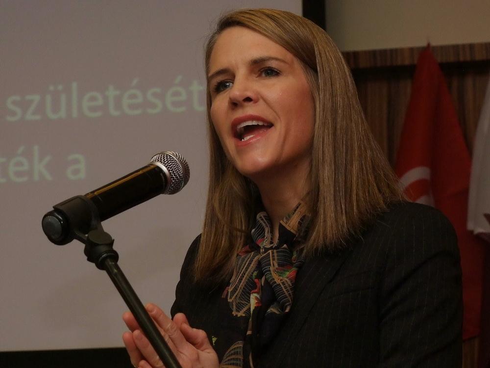 Colleen Bell amerikai nagykövetasszony