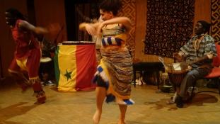 Irány Szenegál – egy fergeteges táncest képei a Francia Intézetből