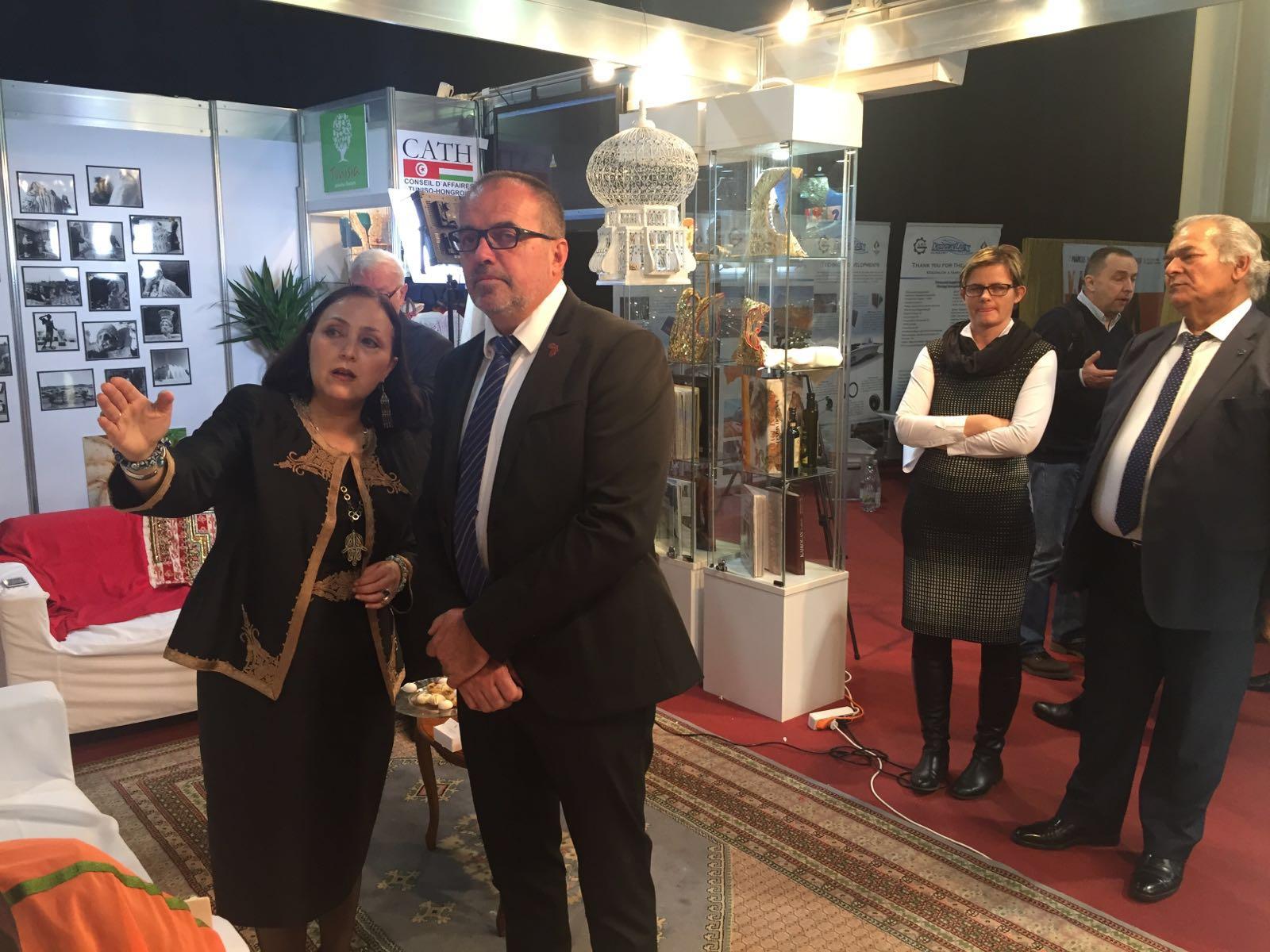 Samia Ilhem Ammar, Tunézia budapesti nagykövete és Balogh Sándor.