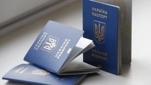 Vízummentességet javasol Ukrajnának az Európai Bizottság