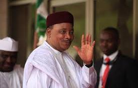 Hatalmas győzelmet aratott a nigeri elnök
