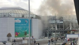 Órák óta a repülőgépen rekedtek a budapesti utasok
