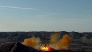 """Irán """"Izraelt el kell törölni a Föld színéről"""" feliratú rakétát lőtt ki"""
