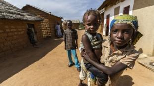 Afrika arcai – fotókiállítás nyílik az ugandai és nigériai mindennapokról Budapesten