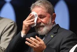 Lula visszatér: miniszterként kerülné el letartóztatását az egykori brazil államfő