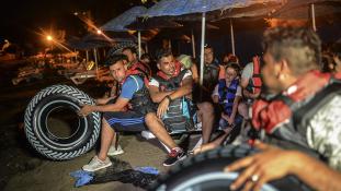 Júniustól vissza kell fogadnia Törökországnak a migránsokat