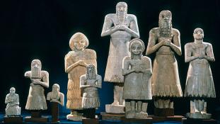 Sumér szobrokat hagytak hátra migránsok