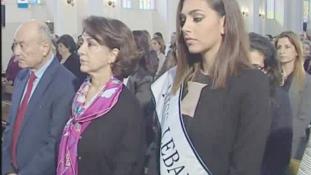 Upsz! Így öltözött a húsvéti misére Miss Libanon