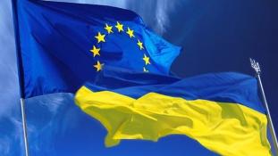 A hollandok most keresztbetehetnek Ukrajnának