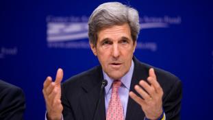 Kabulban támogatja Kerry az egységkormányt