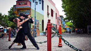 Argentína, ahol a férfi a tekintetével vetkőzteti a nőt