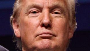 Van, amiért elnézést kért, van, ami mellett kitart Trump