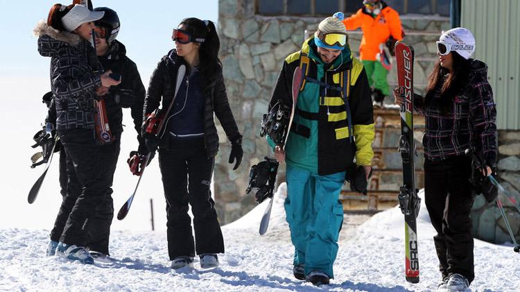 Inside-Iran-skiiers